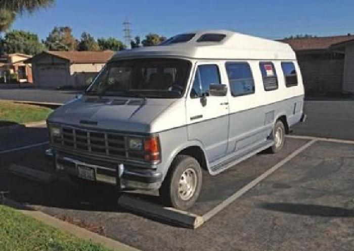1991 Dodge Roadtrek Versatile