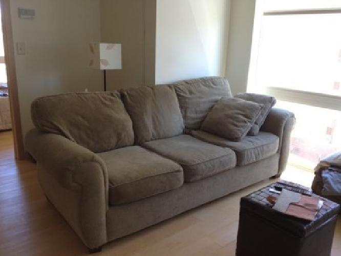 Exceptionnel $199 OBO Bauhaus USA Sage Green Couch