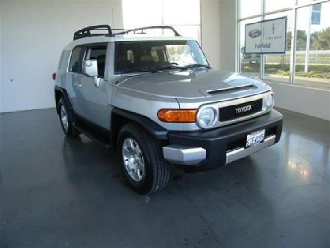 $19,292 2007 Toyota FJ Cruiser