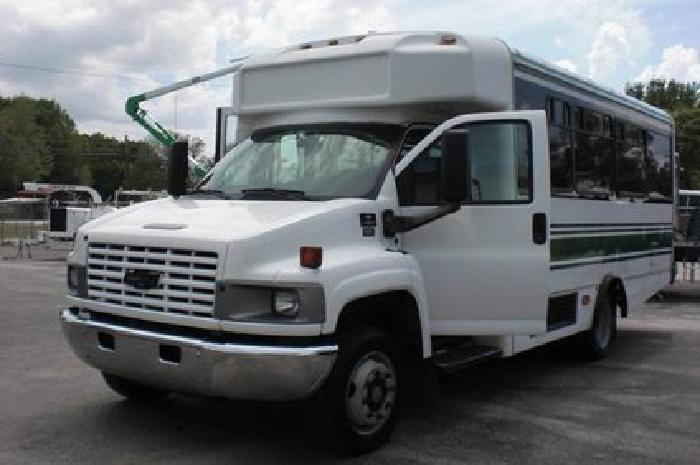 19 900 2006 chevrolet c4500 glaval bus 15 16 passenger for Wheelchair accessible homes for sale in florida
