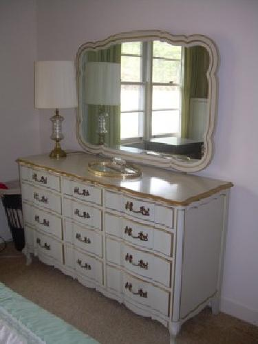 Bedroom Suites  Sale on French Provincial Bedroom Suite In Hartsville  South Carolina For Sale