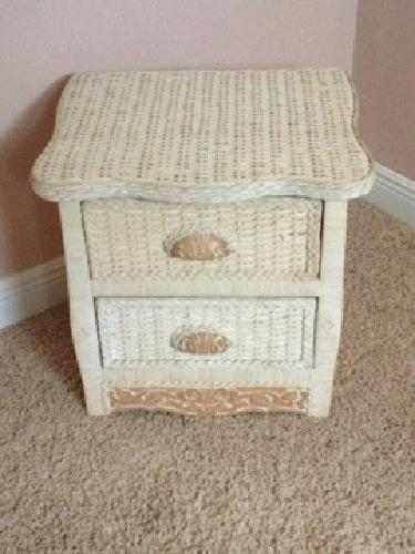 1 000 beautiful wicker twin bedroom set from pier one for sale in north royalton ohio for Pier one wicker bedroom furniture