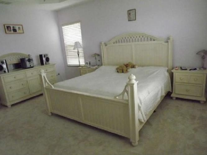 1 000 Obo Cottage Style King Size Sleep Number Bedroom Set For Sale In Wesley Chapel Florida