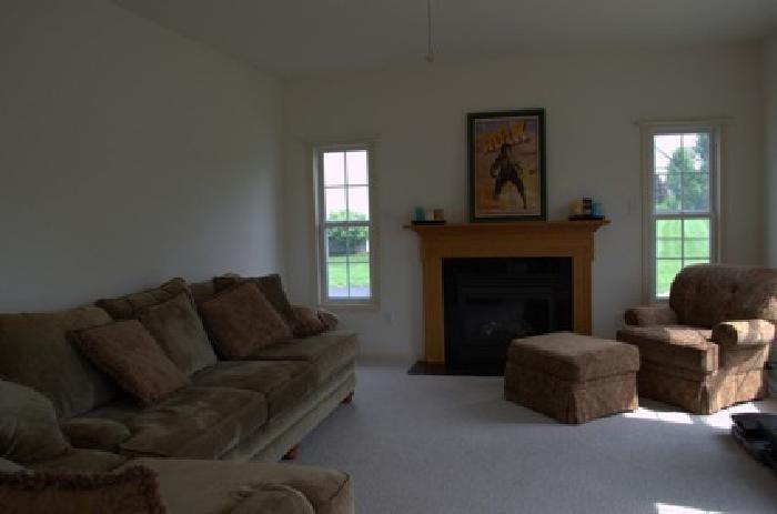 $1,000 OBO Matching 4 Piece Living Room Set