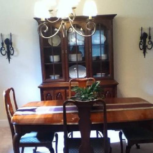 1 100 solid cherry thomasville dining room set for sale in dayton