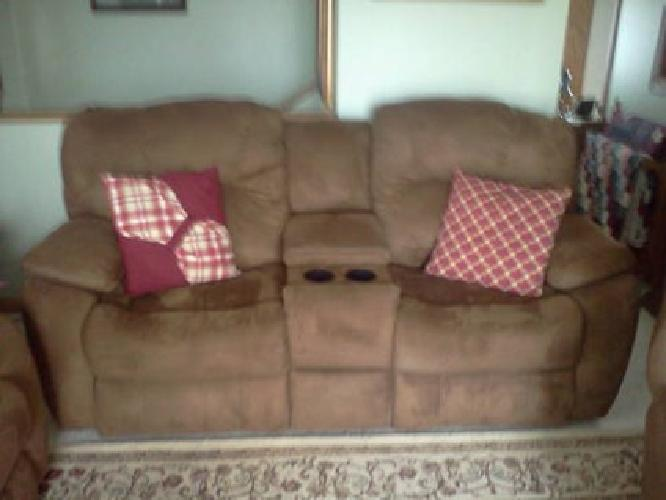 $1,200 7 month old dual reclining console loveseat & wallhugger recliner
