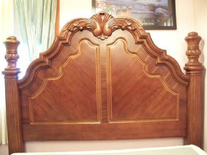 1 200 chris madden bedroom set queen size pickup only no delivery
