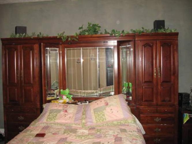 1 200 Michael Howard Queen Pier Bedroom Group For Sale In