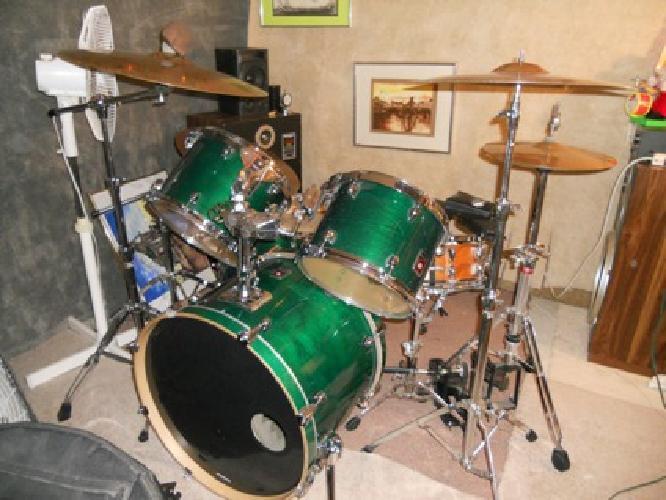 $1,200 OBO Premier 5pc drum set