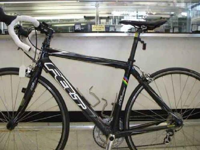 $1,300 Felt Carbon Fiber Road Bike