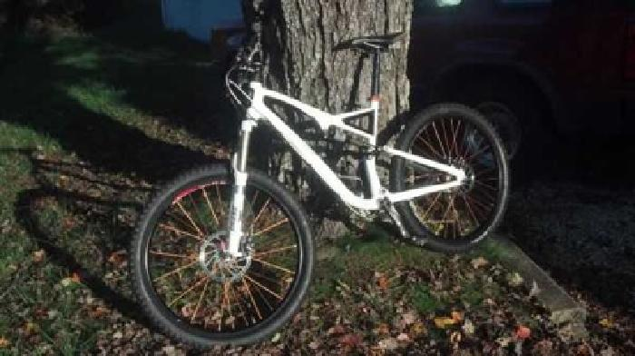 $1,400 Specialized Stumpjumper Fsr (Brevard)