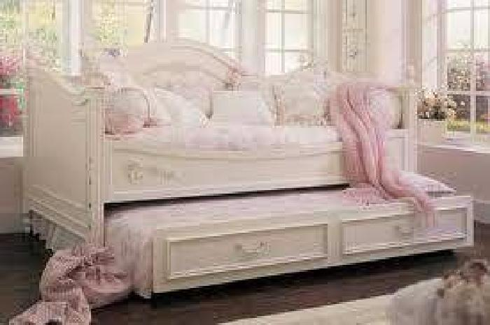 1 450 Stanley Isabella Daybed W Trundle Armoire And