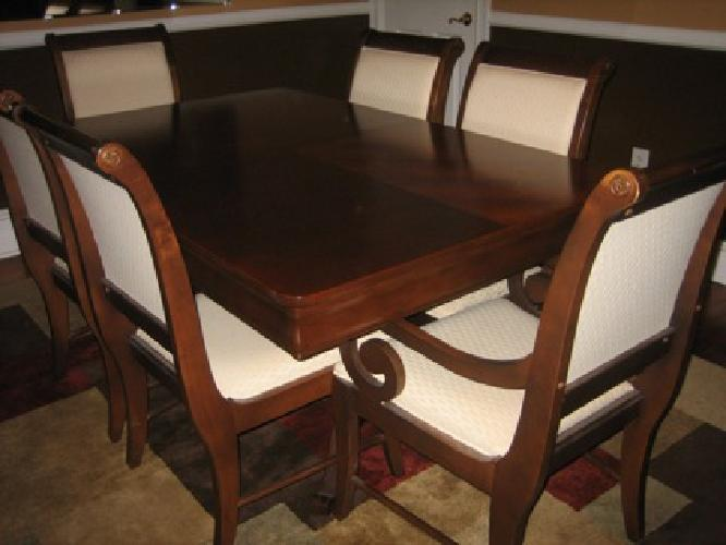 1 500 broyhill dining room table chairs for sale in