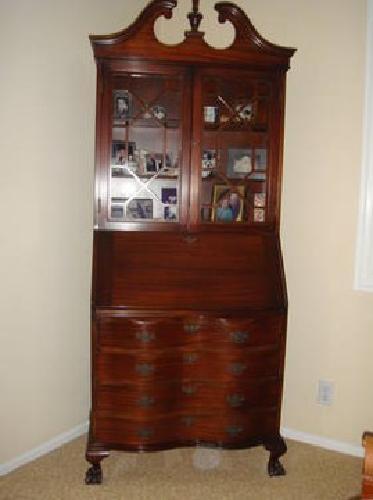 1 500 Mint Condition Secretary Desk For Sale In
