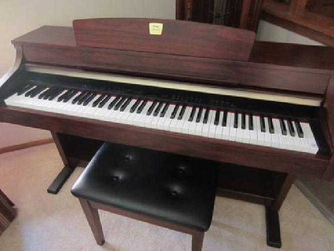1 575 yamaha clavinova clp 330 for sale in elm grove for Yamaha clavinova price list