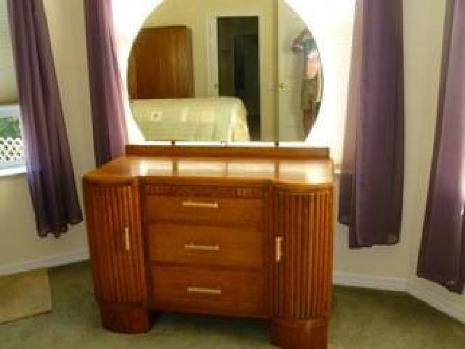 1 600 1900 39 S Old English Antique Art Deco Bedroom Suite For Sale In Hobe Sound Florida