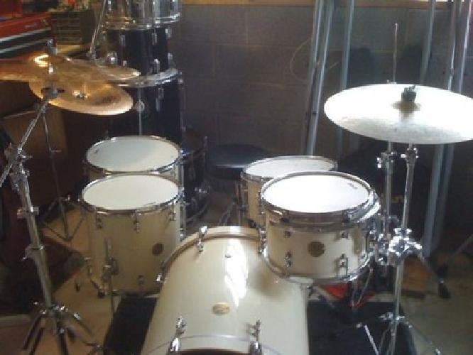 $1,650 OBO ddrum Dios 5-Piece Drum Set White