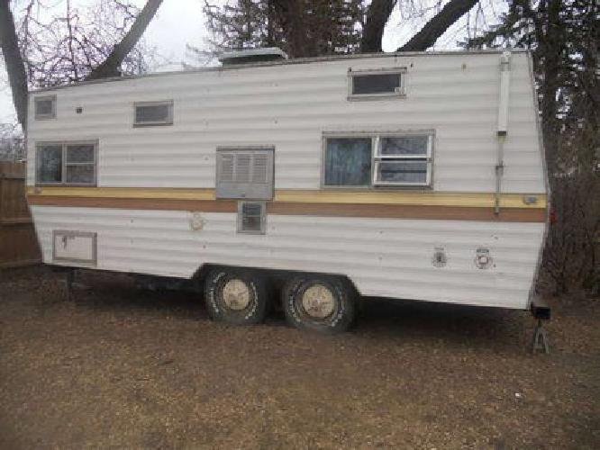 1800 1972 24 Ft Pull Behind Coachmen Camper OBO