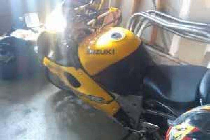 $1,800 1998 Suzuki TL1000