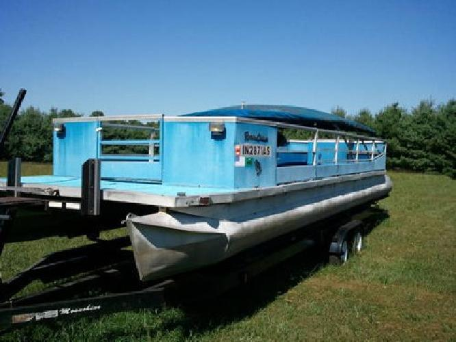 $1,900 1969 Riviera Cruiser 28 ft. Pontoon, Trailer & 35hp Evinrude