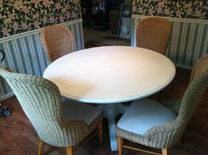 $1,900 OBO Stanley Coastal living Cottage table and chairs