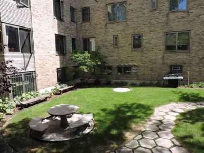 1 Bed - 1609 Prospect Apartments