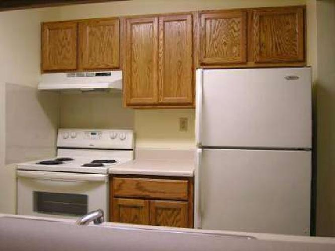 1 Bed - Capitol Commons Apartments & Townhomes