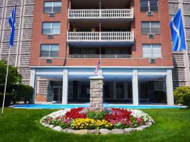 1 Bed - Fountain Place Apartments