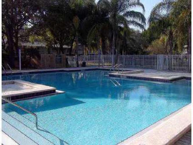 1 Bed - La Vista Oaks Apartments