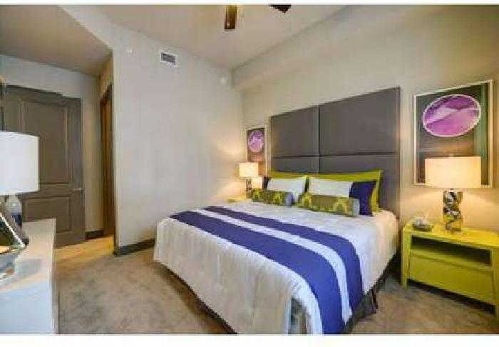 1 Bed - Pearl Dadeland