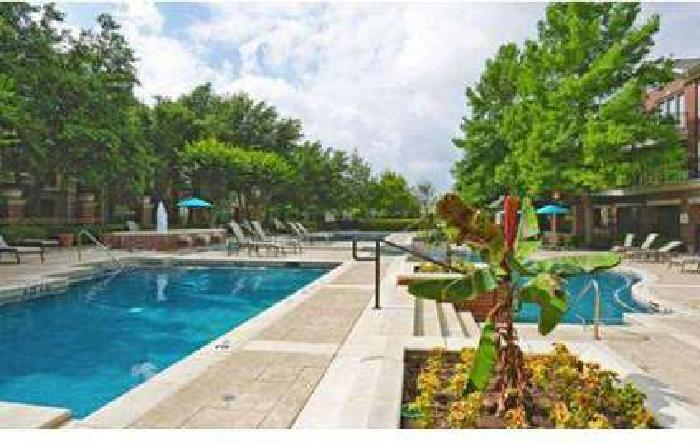 1 Bed - The Lincoln at Towne Square Apartments
