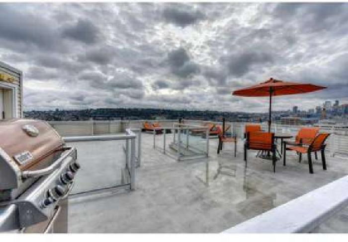 1 Bed - The Summit at Lake Union