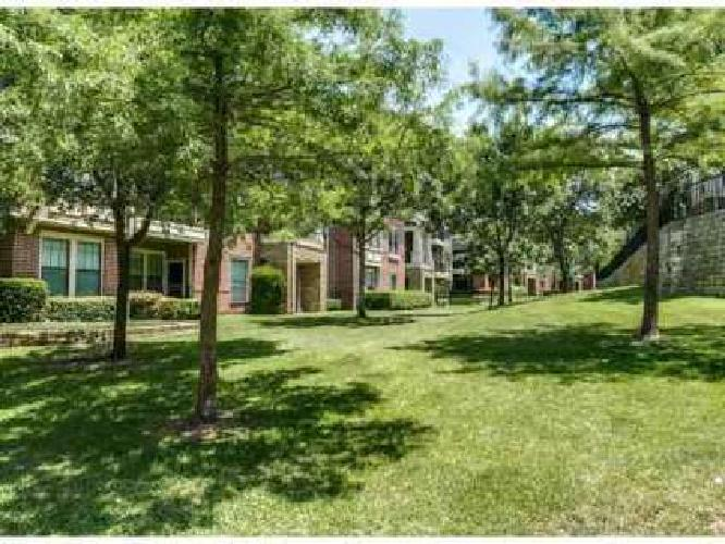 1 Bed - The Village Dallas