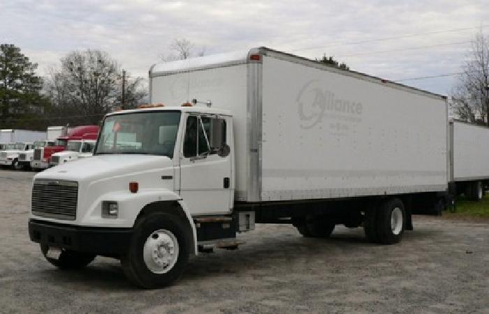 2001 Freightliner FL70 26 x 102 wide CDL truck, 4000lb tuckaway