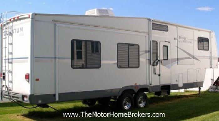 2004 Terry Quantum AX6 Fifth Wheel w/4 Slide-Outs