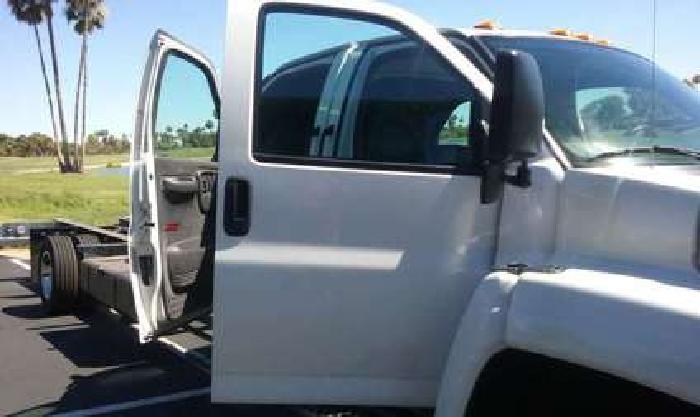 2005 GMC C5500 QUAD CREW CAB SUICIDE DOORS TOPKICK KODIACK 156kmiles GAS 8.1 ENG