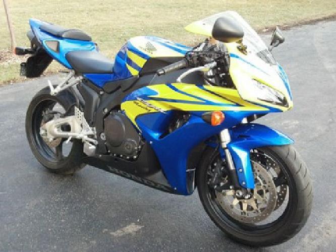 2006 Honda CBR 1000RR Blue and Yellow Perfect Original Condition 357 MILES
