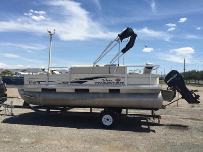 2007 18ft bass buggy sun tracker pontoon 60hp mercury