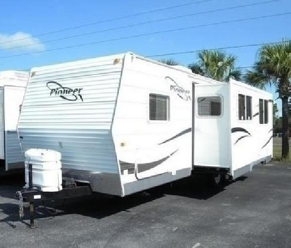 Pioneer By Fleetwood Travel Trailer  Foot