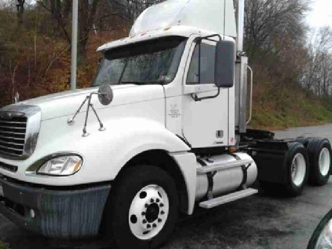 2007 FREIGHTLINER COLUMBIA Tandem Axle Daycab