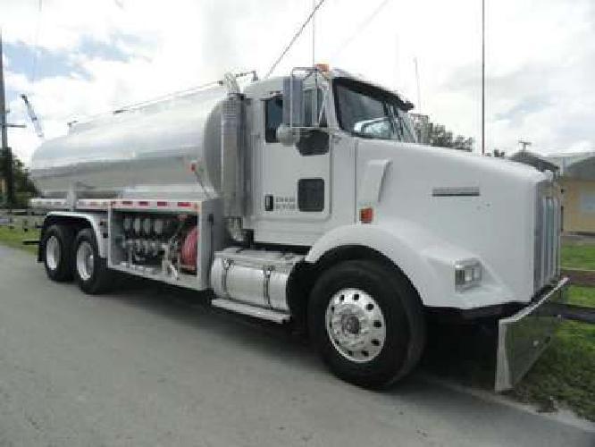 2007 Kenworth T800 Beall 4,500 Gallons Fuel Truck
