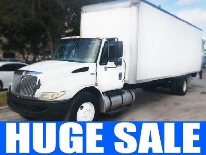 2009 International 4300 Durastar Box Van Truck