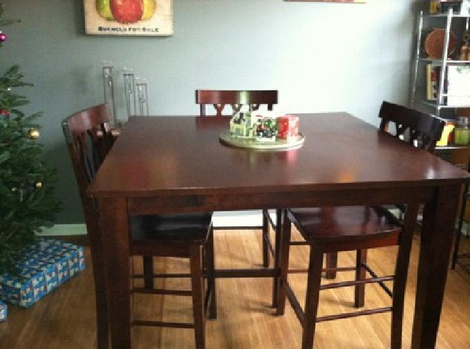 $200 5 pc counter-height table and chairs
