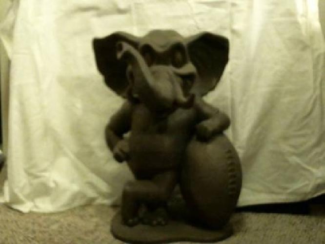 $200 Alabama Football Collector Big AL Statue.