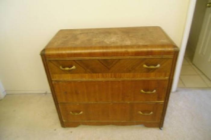 $200 Antique Dresser with mirror for sale in Albuquerque, New Mexico Classified | ShowMeTheAd.com