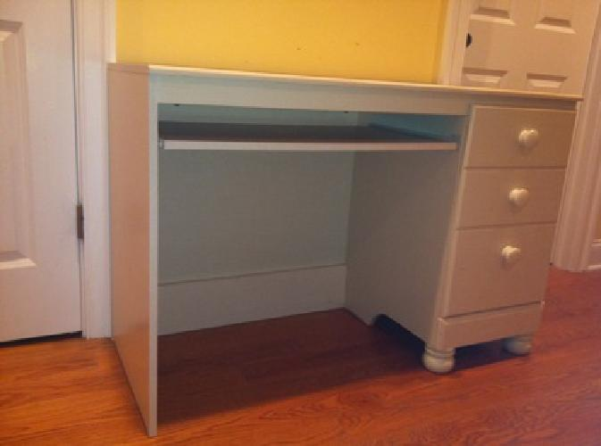 $200 ASHLEY FURNITURE DESK CREAM COLOR Gently Used GREAT