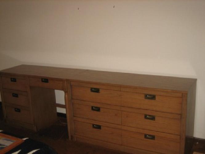 200 Bedroom Set With Dresser Desk Hutch