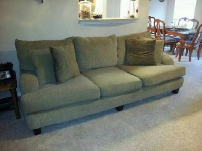 200 big comfy sofa for sale in frisco texas classified for Comfy couches for sale