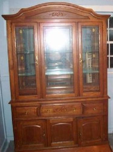$200 Broyhill china cabinet-Inman,SC