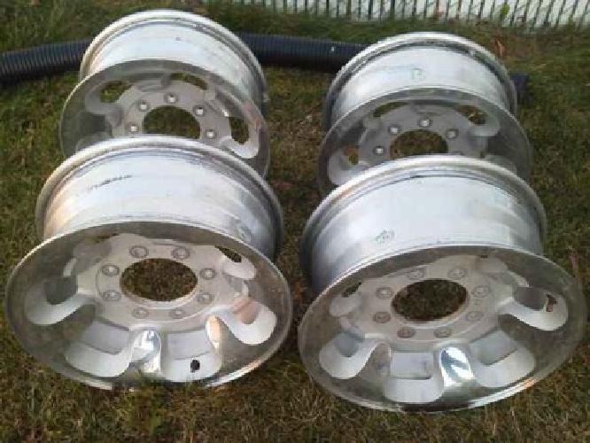 $200 Ford 16 inch Rims (Enoch, UT)